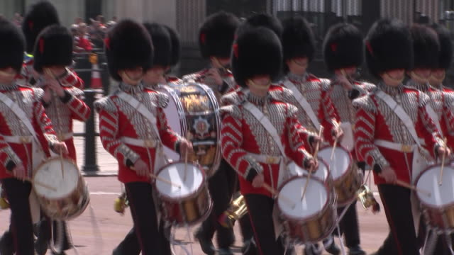 fife and drum corp pass as part of the 2018 trooping the colour, where regiments of the british and commonwealth armies parade in front of buckingham... - (war or terrorism or election or government or illness or news event or speech or politics or politician or conflict or military or extreme weather or business or economy) and not usa stock videos & royalty-free footage