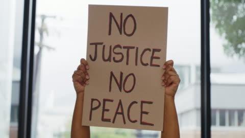 vidéos et rushes de battez-vous pour votre droit - injustice