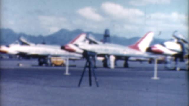 kampfjets 1960 er jahre - united states airforce stock-videos und b-roll-filmmaterial