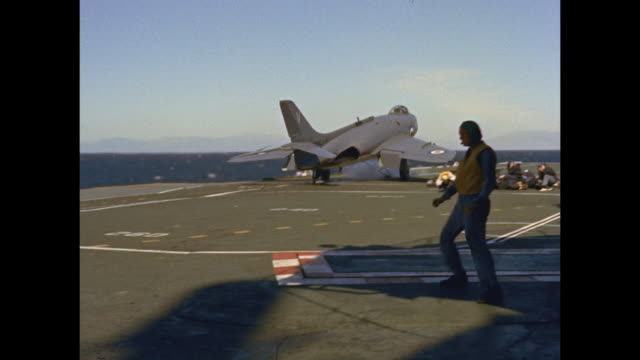 fighter launched from aircraft carrier hms victorious - flugzeugträger stock-videos und b-roll-filmmaterial