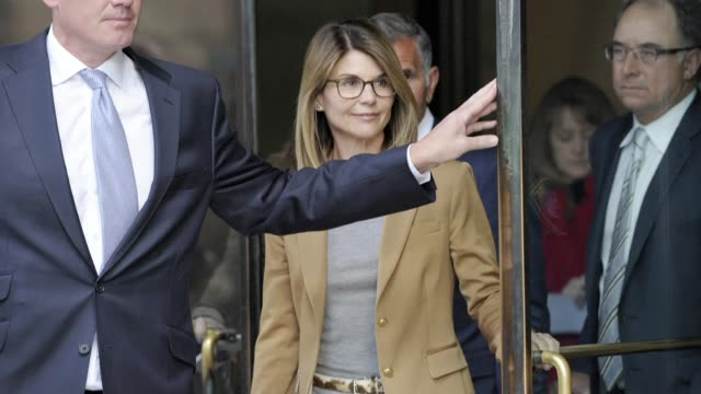MA: FILE: Actress Lori Loughlin to plead guilty in college admissions scandal