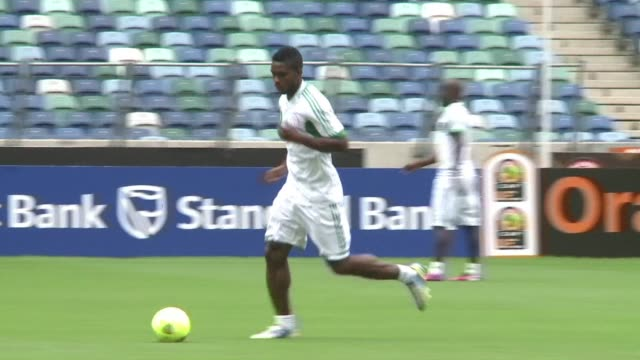 file images of the nigeria national football team which will compete next june in brazil's 2014 world cup clean : file images of the nigeria on... - national team stock videos & royalty-free footage