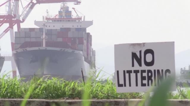 filipinas envio de vuelta a canada toneladas de desperdicios que recibio hace varios anos y que fueron objeto de un intenso contencioso bilateral - canadá stock videos & royalty-free footage