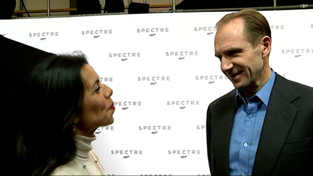 vídeos de stock, filmes e b-roll de 24th james bond film to be called 'spectre'; ralf fiennes interview sot/ naomie harris interview sot/ christoph waltz interview sot/ - série de filmes do james bond