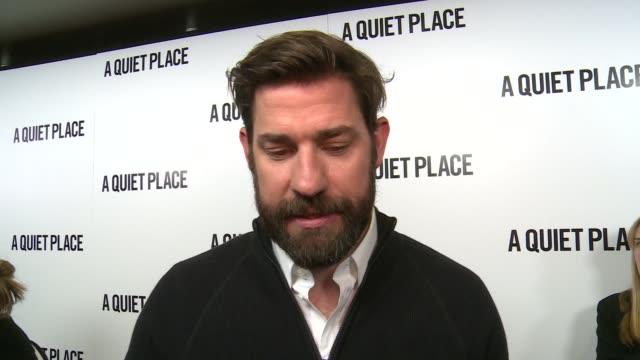 'a quiet place' premiere red carpet interviews john krasinski interview sot emily blunt interview sot - john krasinski video stock e b–roll