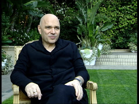 vidéos et rushes de anthony minghella interview; minghella interview sot - there is no part of film making process that walter murch doesn't understand / first made... - anthony minghella