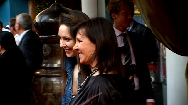 'arabia 3d' premiere red carpet arrivals close up heather mills talking to press sot / arlene phillips posing for photographs phillips interview sot... - 3d glasses stock videos & royalty-free footage