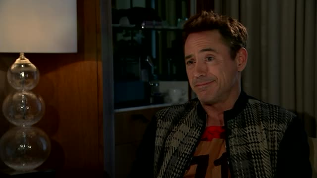 avengers age of ultron robert downey jr interview robert downey jr interview sot re parallels between himself and iron man character/ i couldbn't... - クリシュナン・グルマーフィ点の映像素材/bロール