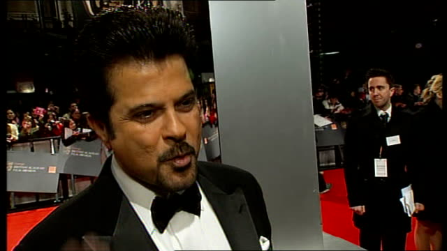 red carpet arrivals and interviews Anil Kapoor interview SOT On Slumdog Millionaire last year how life has changed since then / On advice he has for...
