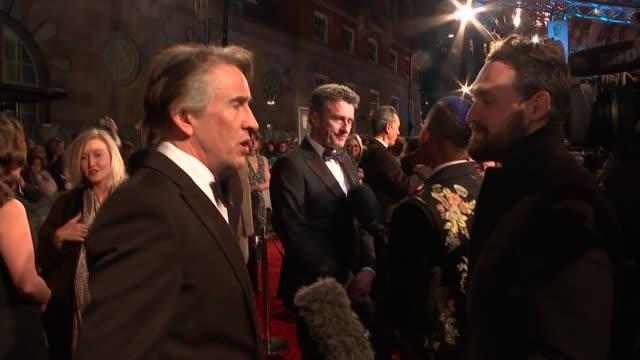 film awards 2019: red carpet interviews; england: london: kensington: the royal albert hall: ext glenn close chatting to others / steve coogan... - メリッサ・マッカーシー点の映像素材/bロール