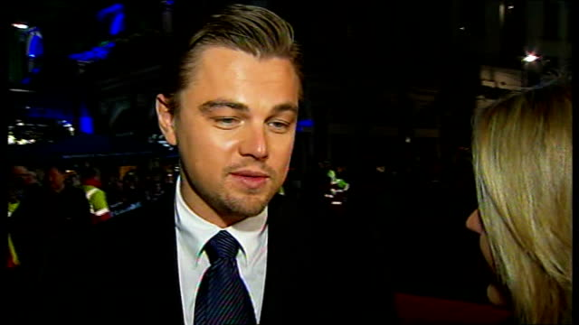 'body of lies' premiere in leicester square england london leicester square photography** **some loss of picture during interview** leonard dicaprio... - kate winslet stock-videos und b-roll-filmmaterial