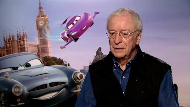 'cars 2' junket interviews: john lasseter, michael caine and jason isaacs; michael caine interview sot - on voicing animation, whether it is more... - 俳優 マイケル・ケイン点の映像素材/bロール