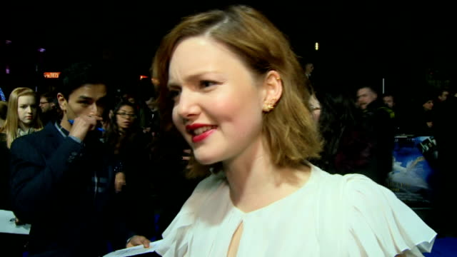stockvideo's en b-roll-footage met 'cinderella' premiere red carpet arrivals holliday grainger interview sot / hayley atwell interview sot / helena bonham carter speaking to press and... - première