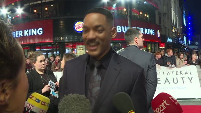 'collateral beauty' premiere: arrivals and interviews; smith chatting to press sot / will smith interview sot - on what gets him emotional - 16 year... - 俳優 ウィル・スミス点の映像素材/bロール