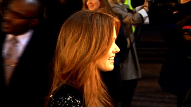 'Confessions of a Shopaholic' preview red carpet interviews Jerry Bruckheimer speaking to reporter / Kinsella speaking to reporter / Isla Fisher...