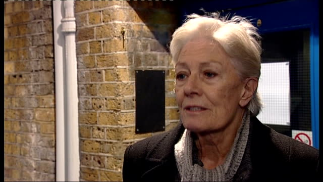 Interview with Vanessa Redgrave ENGLAND London INT Vanessa Redgrave interview SOT I wish I was standing here with bunch of brightly coloured balloons...