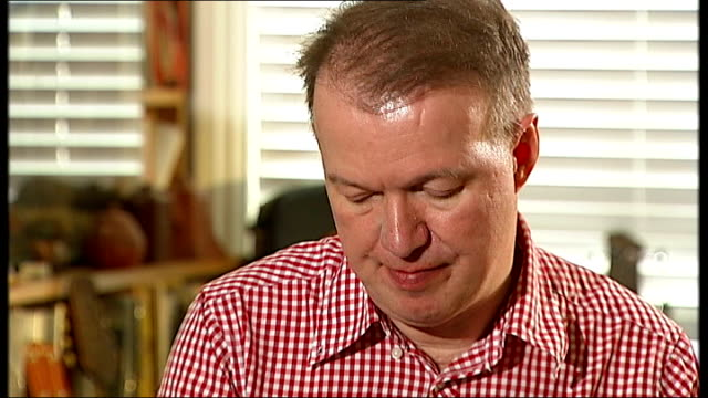 documentary on the life of musician edwyn collins london edwyn collins interview sot cutaway reporter with collins and maxwell grace maxwell... - anmut stock-videos und b-roll-filmmaterial