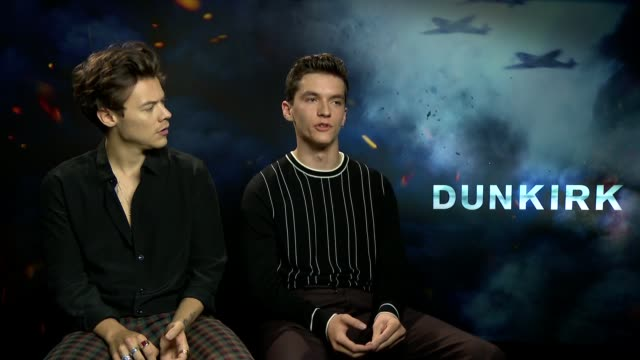 'dunkirk' junket interviews england london int harry styles and fionn whitehead interview sot / christopher nolan interview sot / mark rylance and... - mark rylance stock-videos und b-roll-filmmaterial