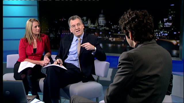 film 'frost/nixon' michael sheen interview sheen interview sot - michael sheen stock-videos und b-roll-filmmaterial