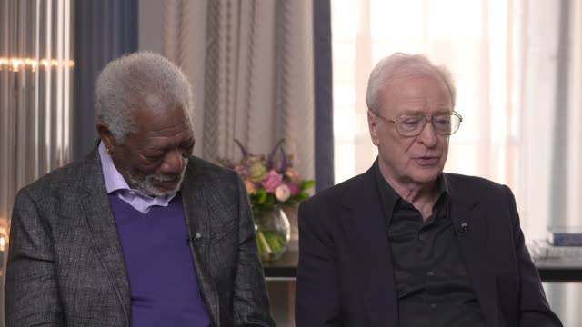 'going in style': michael caine and morgan freeman interview; film: 'going in style': michael caine and morgan freeman interview; morgan freeman and... - 俳優 マイケル・ケイン点の映像素材/bロール