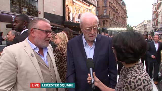 hatton garden raid film 'king of thieves' premieres in leicester square; england: london: leicester square: michael caine and ray winstone live red... - 俳優 マイケル・ケイン点の映像素材/bロール