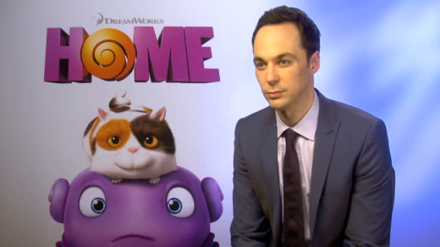 'home' jim parsons interview engalnd london int jim parsons interview sot what a lovely character he plays optimistic wants to be more like character... - jim parsons stock videos and b-roll footage