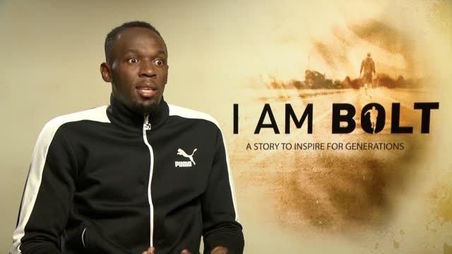 vídeos de stock e filmes b-roll de am bolt' documentary film premiere; london: int usain bolt interview sot - filme documentário