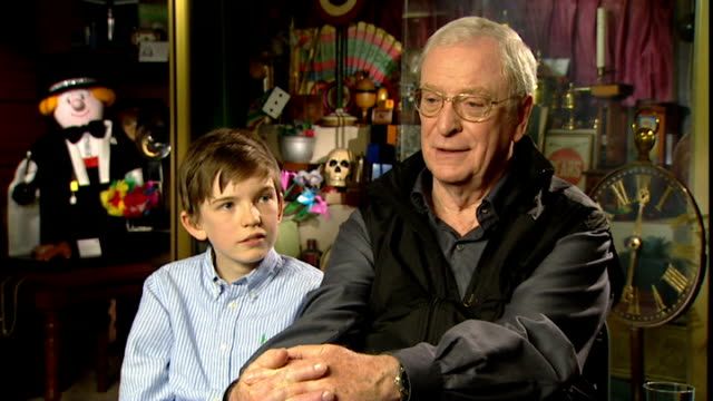 film 'is anybody there?': michael caine interview; michael caine interview alongside bill milner sot - want to grow old having fun - 俳優 マイケル・ケイン点の映像素材/bロール