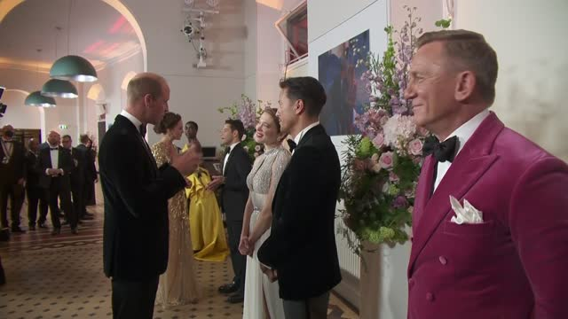 no time to die': royals arrive at premiere and meet stars; england: london: south kensington: royal albert hall: prince charles and the duchess of... - première stock-videos und b-roll-filmmaterial
