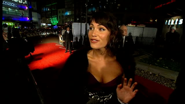 stockvideo's en b-roll-footage met james bond 'quantum of solace' premiere in london red carpet interviews gemma arterton interview sot fantastic being a bond girl / thinks daniel... - première