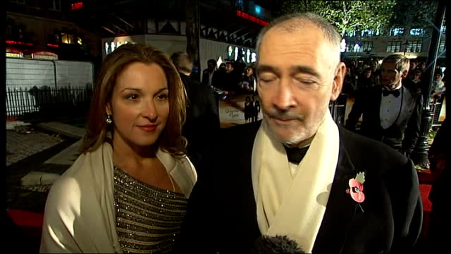 james bond 'quantum of solace' premiere in london: red carpet interviews; england: london: leicester square: ext barbara broccoli and michael g... - キャラクター ジェームズ・ボンド点の映像素材/bロール