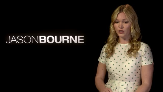 'jason bourne' matt damon julia stiles alicia vikander interviews julia stiles interview sot - julia stiles stock videos and b-roll footage