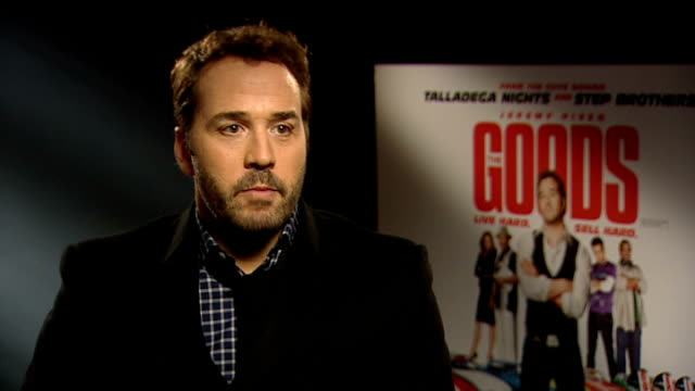 jeremy piven interview; england: london: int jeremy piven interview sot - grew up on peter sellers comedy. on being pleased that the reporter thought... - jeremy piven stock videos & royalty-free footage