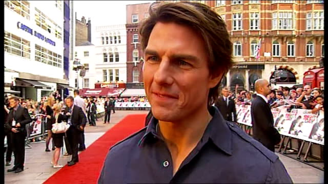 'knight and day' premiere in london tom cruise interview england london leicester square reporter to camera / tom cruise live interview sot i love... - tom cruise stock videos & royalty-free footage