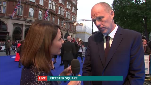 'legend' premiere; england: london: int brian helgeland and tom hardy live interview on red carpet sot - première stock-videos und b-roll-filmmaterial