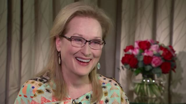 liverpool is movie stand-in for 1940s new york; meryl streep interview sot - including attempting scouse accent / merseyside: liverpool: ext gv... - メリル・ストリープ点の映像素材/bロール