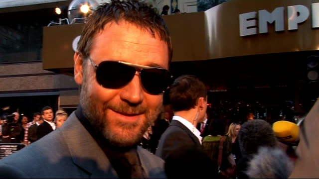 london premiere of 'state of play' red carpet interviews russell crowe interview sot on being 'absolutely ecstatic' to show his new film to an... - russell crowe stock videos & royalty-free footage