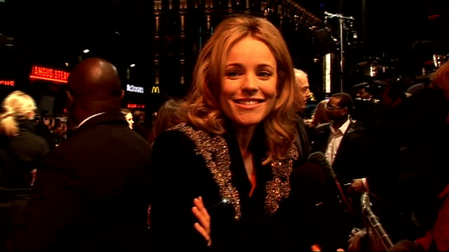 stockvideo's en b-roll-footage met 'morning glory' premiere celebrity arrivals mcadams speaking to press / rachel mcadams interview sot on how she used to skip school to watch daytime... - 50 cent rapper