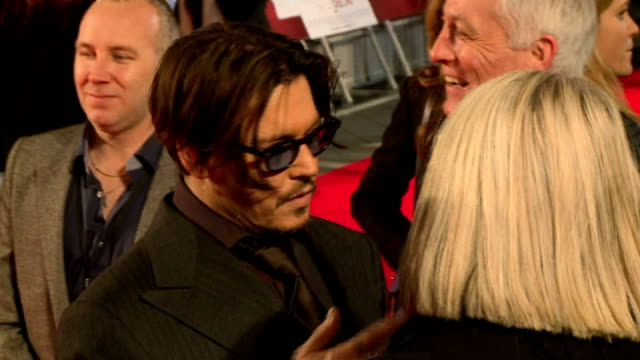 'Mortdecai' premiere Red carpet arrivals Depp speaking to press / Johnny Depp interview SOT