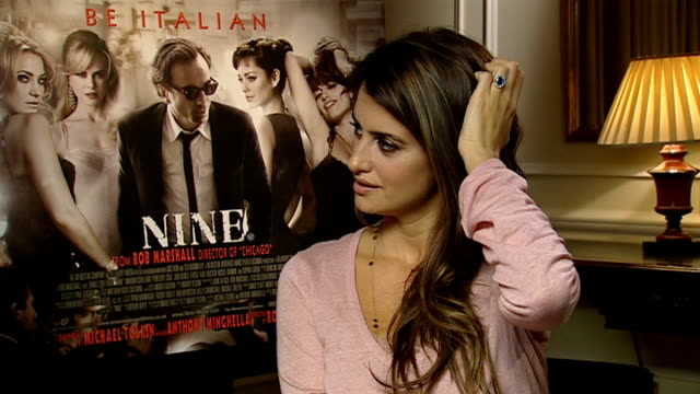 penelope cruz interview; penelope cruz interview continues sot - no karaoke nights with the cast of 'nine' / having to gain weight for the role and... - penelope cruz bildbanksvideor och videomaterial från bakom kulisserna