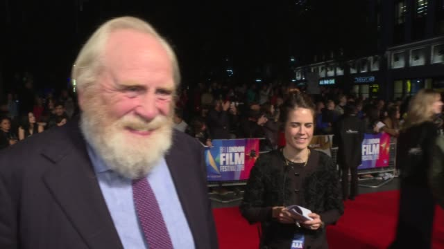 'Outlaw King' premiere ENGLAND London Leicester Square Poster for the new film 'Outlaw King' / James Cosmo interview SOT / Tony Curran signing...