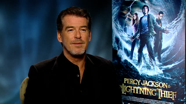 pierce brosnan interview on new movie 'percy jackson'; pierce brosnan interview sot - on working with the younger members of the cast in 'percy... - キャラクター ジェームズ・ボンド点の映像素材/bロール