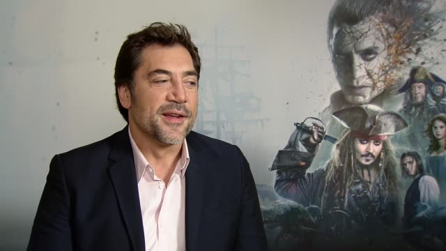 'pirates of the caribbean dead men tell no tales' junket interviews location javier bardem interview sot - javier bardem stock videos and b-roll footage