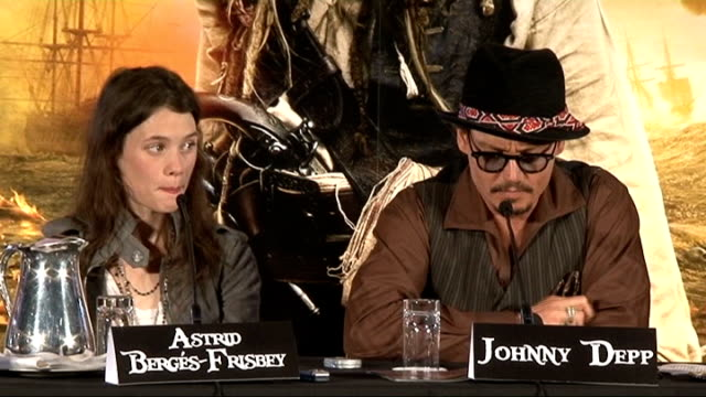 'pirates of the caribbean: on stranger tides': press conference; johnny depp press conference sot - on the film being shown at the cannes film... - ジュディ・デンチ点の映像素材/bロール