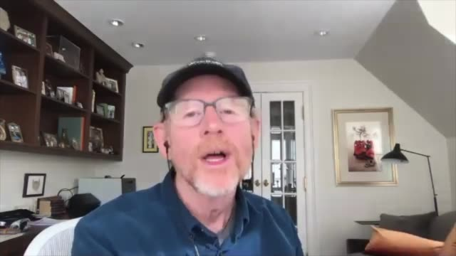 'rebuilding paradise': ron howard interview; england: london: int ron howard setup and interview via internet sot cutaway over shoulder view reporter... - cutaway video transition stock videos & royalty-free footage