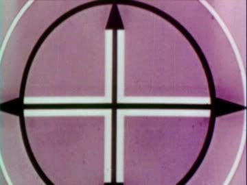 vidéos et rushes de 1960 montage film reel countdown / indianapolis, indiana, usa - pellicule photo