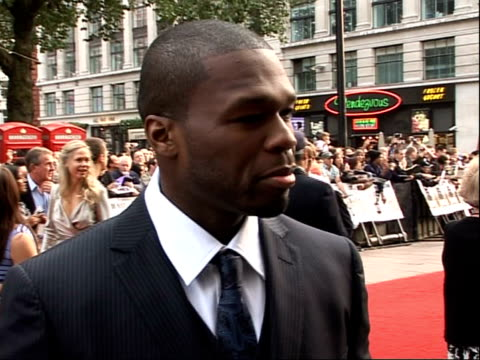 stockvideo's en b-roll-footage met 'righteous kill' uk premiere red carpet arrivals and interviews 50 cent interview sot working with pacino and de niro the character he plays / on... - 50 cent rapper