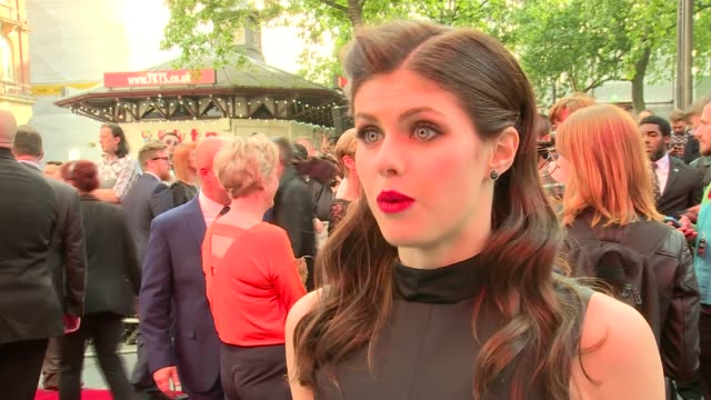 'San Andreas' premiere Red carpet arrivals Alexandra Daddario interview SOT / Dwayne Johnson interview SOT / Johnson speaking to press