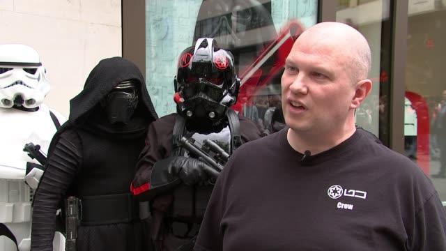 vidéos et rushes de star wars 'chewbacca' actor peter mayhew dies aged 74 england london ext stephen smith interview sot - star wars titre d'œuvre