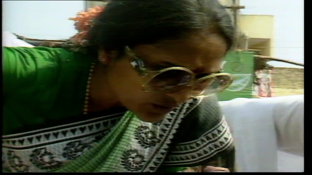 film stars stand for election for the congress party in indian elections; india: tamil nadu state: madras: ext actress vyjayanthimala campaigning as... - pilger stock-videos und b-roll-filmmaterial
